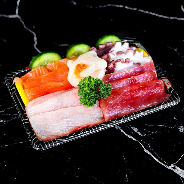 Sashimi Bento Box (with pre-mix soy wasabi)