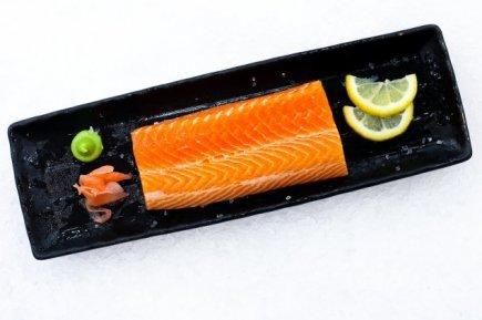 Tasmanian Salmon Sashimi 500g (FREE SOY/WASABI MIX)