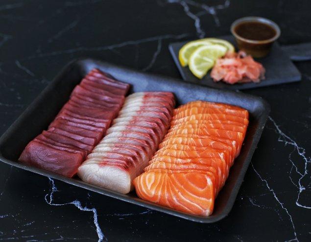 Mixed Sashimi Tray (with mix soy wasabi & ginger)